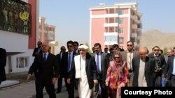 رئیس جمهور غنی و رولا غنی حین افتتاح پروژۀ رهایشی در خواجه رواش کابل