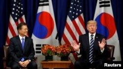 72차 유엔총회가 열린 미국 뉴욕에서 21일 도널드 트럼프 미국 대통령(왼쪽)과 문재인 한국 대통령이 정상회담을 가졌다.