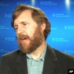 مایکل سمپل، نمایندۀ پیشین ملل متحد برای افغانستان -در زمان رژیم طالبان - و استاد پوهنتون هاروارد