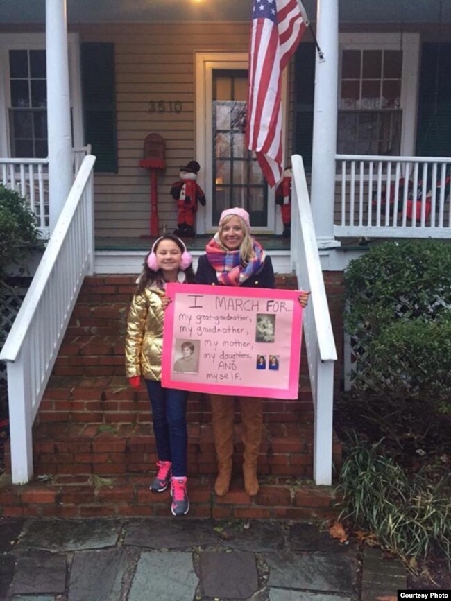 Hannah and Katie Filipczyk Howard leave home on the morning of the 2017 Women's March on Washington. (S. Howard)