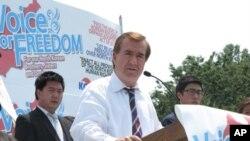 북한 인권행사에서 연설하는 에드 로이스 의원