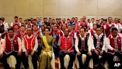 Aung San Suu Kyi with United Wa State Army (UWSA) senior leaders