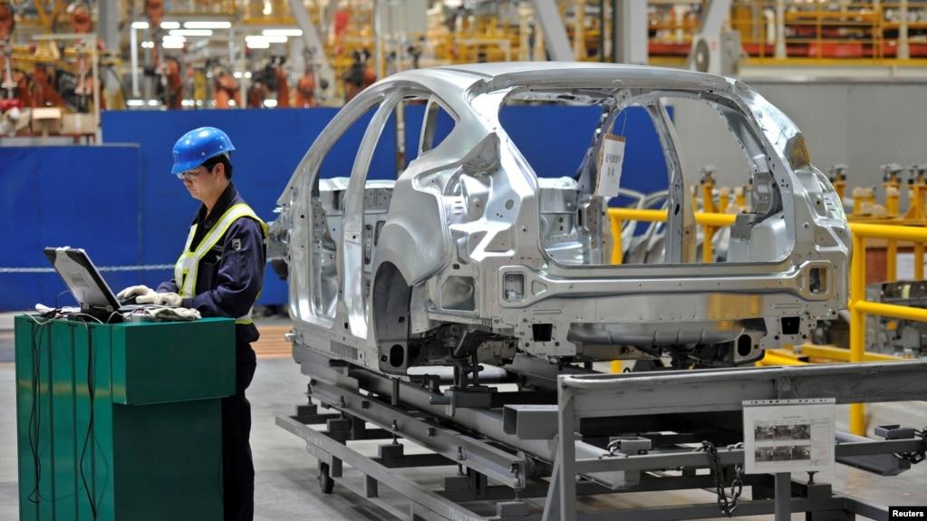 福特公司在重庆的工厂车间