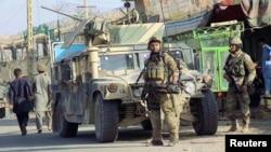 ناتو: شمار طالبان در افغانستان را سی هزار تخمین می کند و می افزاید که شمار نیرو های خاص افغان هفده هزار است
