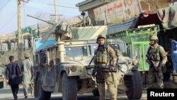 阿富汗安全部队人员在昆都士城内(2016年10月4日)