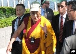 达赖喇嘛今年七月访问华盛顿(资料照片)