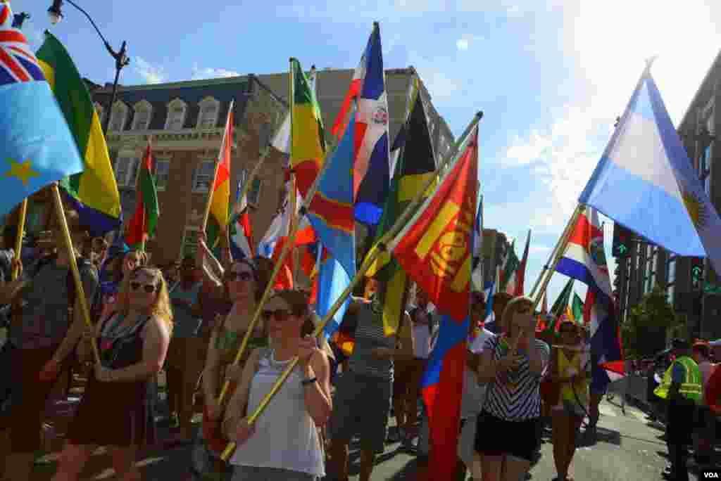 С флагами стран-участниц