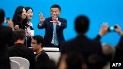 جک ما، با حدود ۴۰ میلیارد دالر، ثروتمندترین مرد چین پنداشته میشود