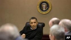 星期六奥巴马在白宫和顾问们商谈埃及局势