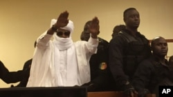 Hissène Habré lors de son procès à Dakar, au Sénégal, le 30 mai 2016.