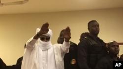 Hissène Habré lors de son procès en première instance devant les Chambres africaines extraordinaires.
