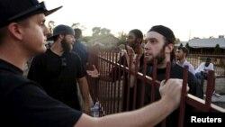 Cuộc biểu tình tại Phoenix được gọi là một cuộc thi vẽ biếm họa về Tiên tri Muhammad và kết thúc không có vụ bắt giữ hay bạo động nào.