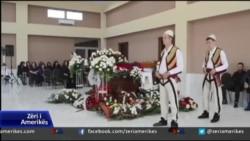 Mal i Zi: Ceremonia e varrimit të piktorit dhe akademikut Gjelosh Gjokaj