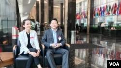 미국 워싱턴의 국무부 청사를 방문한 이현승 씨(오른쪽)와 이서현 씨 남매.
