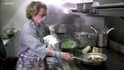 新冠病例激增 餐馆提供感恩节大餐外卖