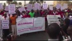 Marche à Dakar contre les menaces sur la liberté de presse (vidéo)