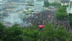 烟锁香江: 反送中港警射万余催泪弹 被质疑遗祸市民
