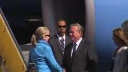美国国务卿克林顿抵澳大利亚出席防务峰会