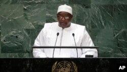 Perezida wa Gambia, Adama Barrow ashikiriza ijambo mu nama igira 73 mpuzamakungu ya ONU, i New York, kw'itariki 25/09/2018