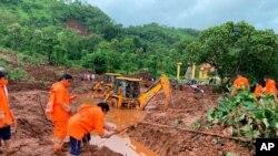 رانش زمین ناشی از بارندگیهای سنگین و بی سابقه موسمی در ایالت ماهاراشترای هند - ۲۴ ژوئیه ۲۰۲۱