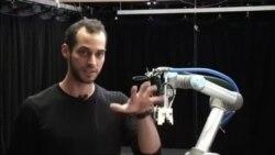 '적자생존' 스스로 진화하는 로봇