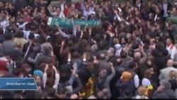Türkiye Barış Mitinginde Ölenleri Toprağa Veriyor