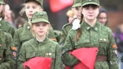 VOA英语视频:俄共垂垂老矣 想招吸引新人