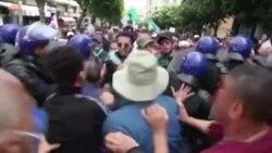 Le ton monte entre étudiants et policiers algériens