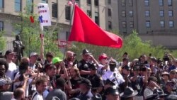 Unjuk Rasa di Cleveland Berujung Damai Berkat Barikade Sepeda Polisi