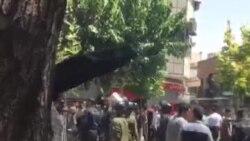ادامه اعتراضات بازار؛ برخورد خشن نیروی انتظامی با معترضان