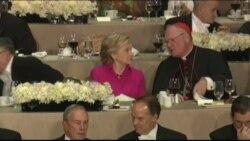 克林顿川普慈善晚宴秀幽默时不忘互攻