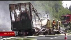 Xe buýt bốc cháy sau tai nạn ở Đức, 18 người chết, 30 người bị thương