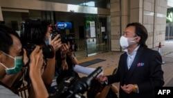 홍콩에서 국가보안법 위반 혐의로 처음 기소된 통용킷 씨의 변호인인 로렌스 로 씨가 3일 홍콩 서주룽 법원에 출석했다.