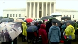 Акція проти призначення Бретта Кевено верховним суддею пройшла у понеділок у Вашингтоні. Відео