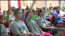 Shqipëri, shkollat dhe komuniteti