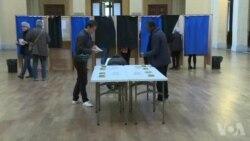 Election: ouverture des bureaux de vote à Lyon (vidéo)