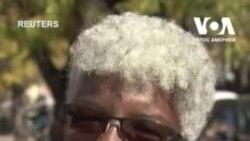 Мешканці Санта-Фе розповідають, що вони шоковані загибеллю операторки Галини Гатчінс на знімальному майданчику фільму. Відео