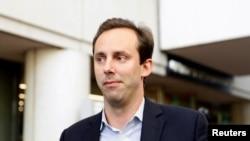 Cựu kỹ sư Google và Uber Anthony Levandowski rời tòa án liên bang sau một phiên khai chứng tại San Jose, California, ngày 27/8/2019.