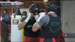 Як Олександр Усик готується до дебютного бою у штаті Каліфорнія. Відео