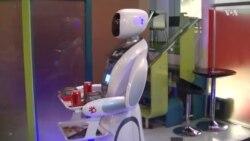 روبات پیشخدمت در کابل