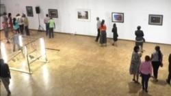 Zimbabwe Exhibition Captures Moments Leading to Resignation of Long-Serving President