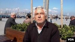 Retiree Kasim questions whether former close allies of Erdogan can offer a new alternative for Turkey. (Dorian Jones/VOA)