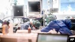 意大利一家醫院的深切治療部