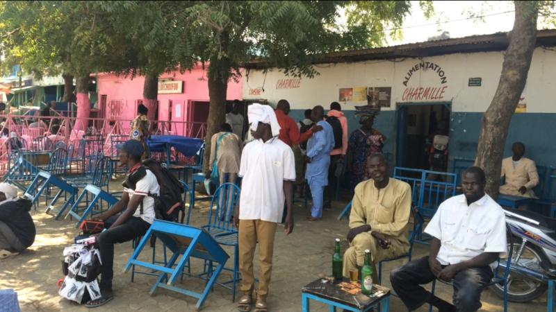 La population tchadienne baisse la garde face au coronavirus