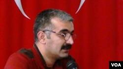 Rza Talibi: Türkiyə güneyli qaçqınlara Azərbaycandan daha yaxşı baxır