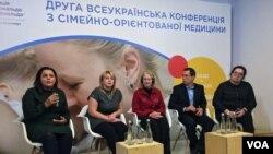 Зліва направо: Мар'яна Возниця, Ірина Садов'як, Лінда Франк, Володимир Жовнір, Світлана Ошеко