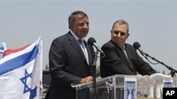 美國國防部長帕內塔星期三在特拉維夫會見了以色列國防部長巴拉克。