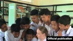 Tình nguyện viên Tổ chức Hòa bình ở Miến Điện.