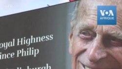 Londres : hommage au prince Philip sur écran géant à Piccadilly Circus