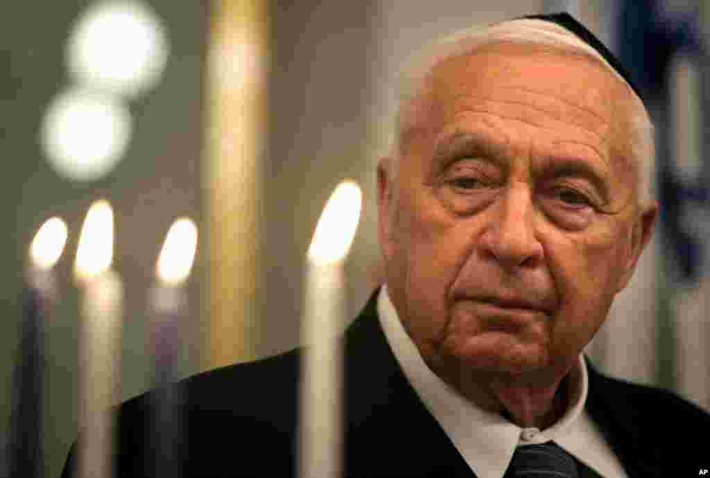 Премьер министр Израиля Ариэль Шарон. Праздник Хануки. Декабрь 2005